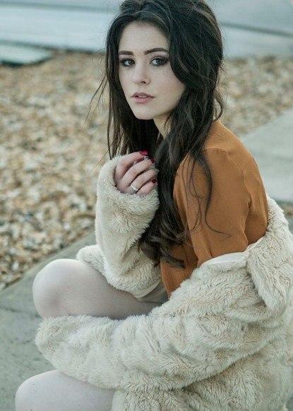Isobelle C