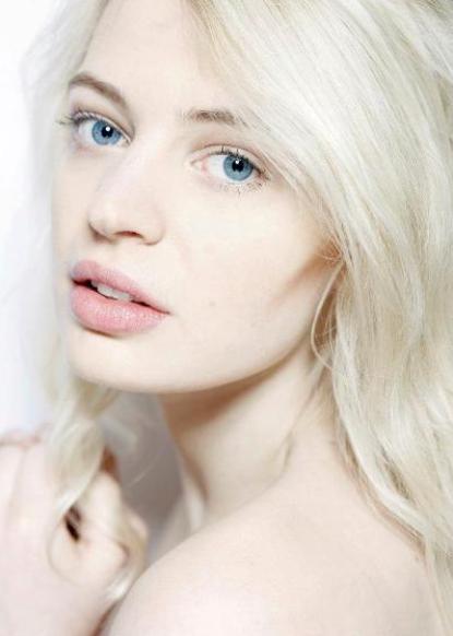 Chloe F