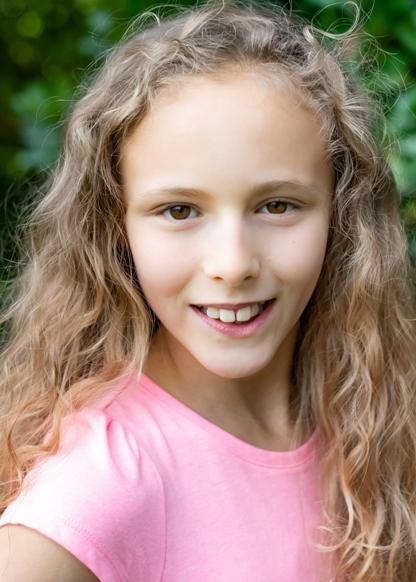 Chloe W